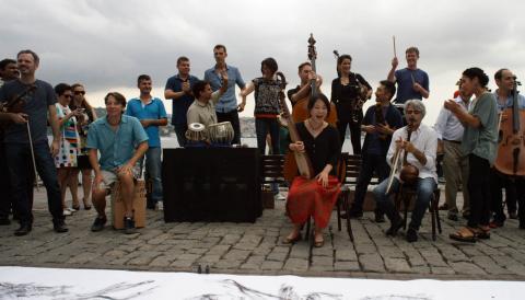 Image du film The Music of Strangers